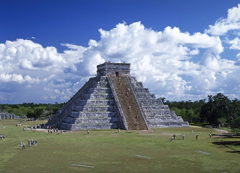 chich n itz in mexico Pyramid at chich é n itz á loading in 2 seconds powerpoint slideshow about 'pyramid at chich é n itz á' - maris pyramid at chichén itzá is located in yucatan peninsula mexico.