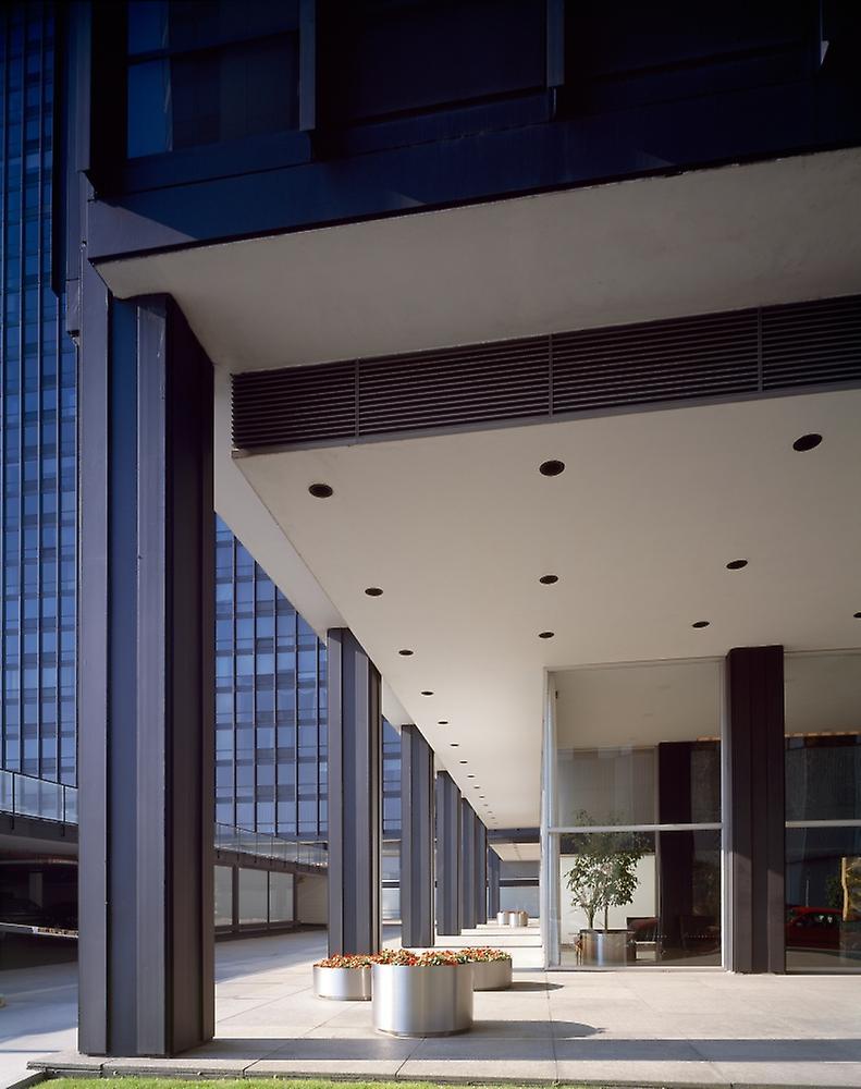 860 880 Lake Shore Drive Apartments Designed By Ludwig Mies Van Der