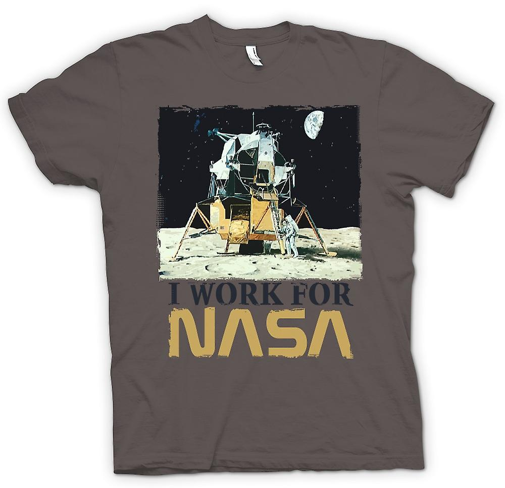 Mens T-shirt - I Work For Nasa - Moon Landing Conspiracy | Fruugo