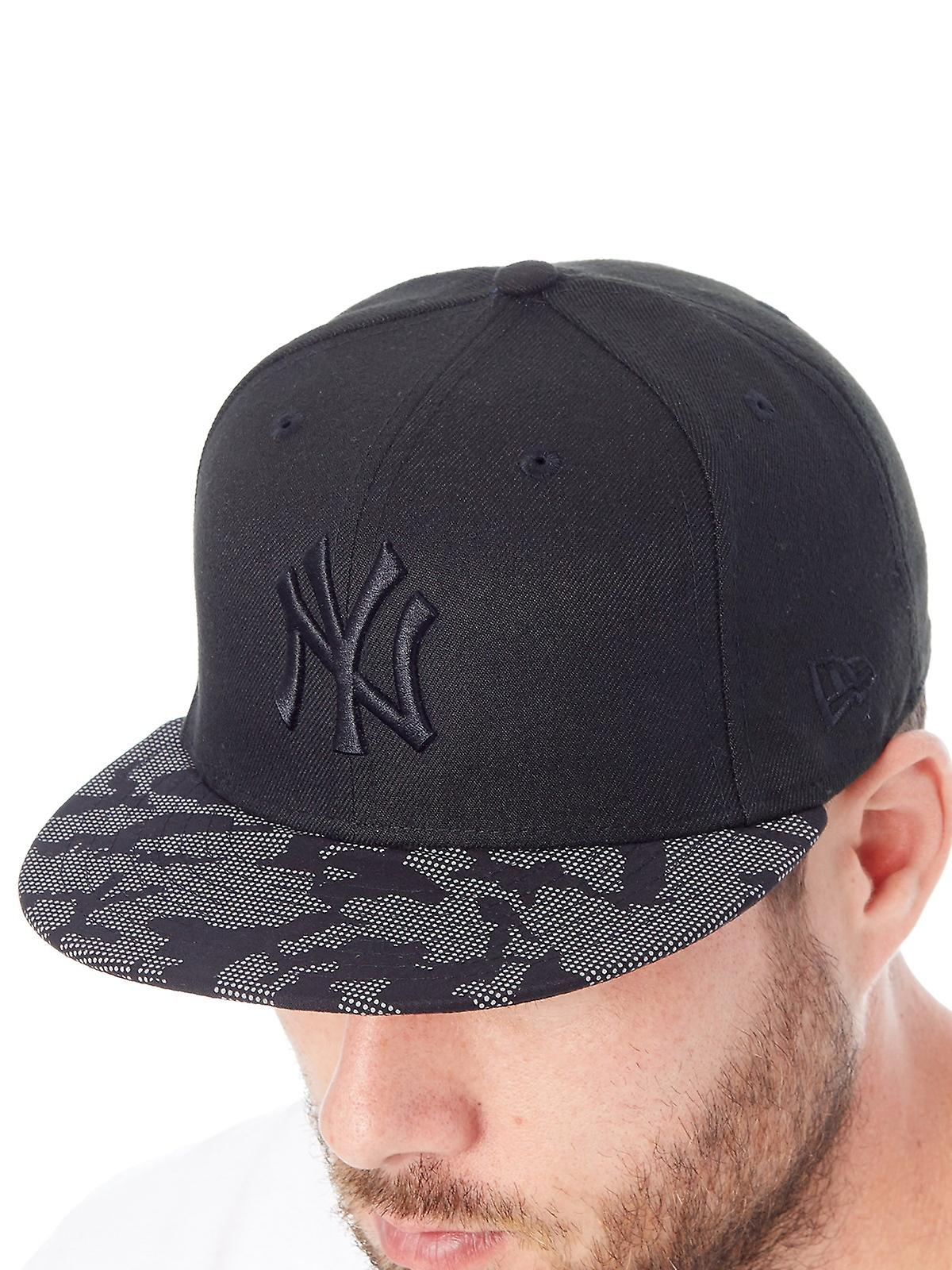 ab19f6a7f82 New Era Black Night Time 59Fifty - New York Yankees Fitted Cap