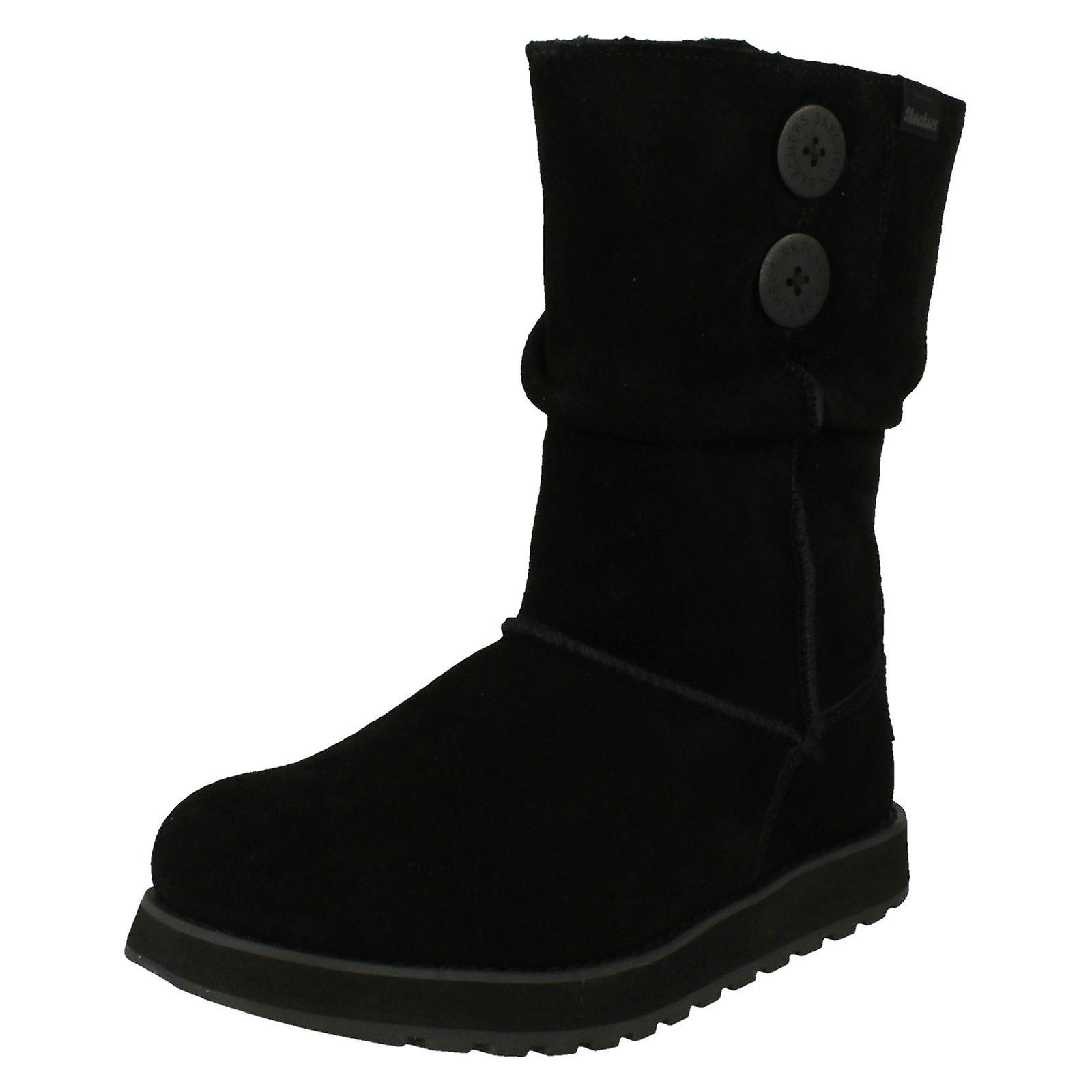 black sketcher boots