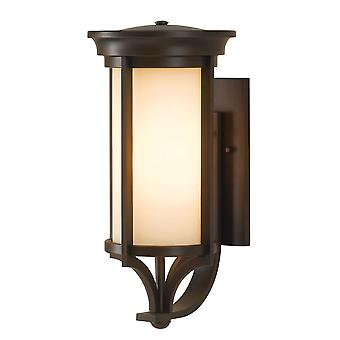 Merrill-Outdoor-mittlere Wand-Laterne - Elstead Beleuchtung