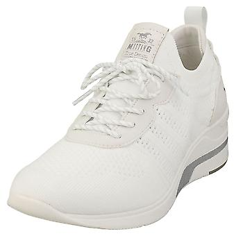Mustang Lace Up Low Top Sneaker Womens Platform Trainers en blanc