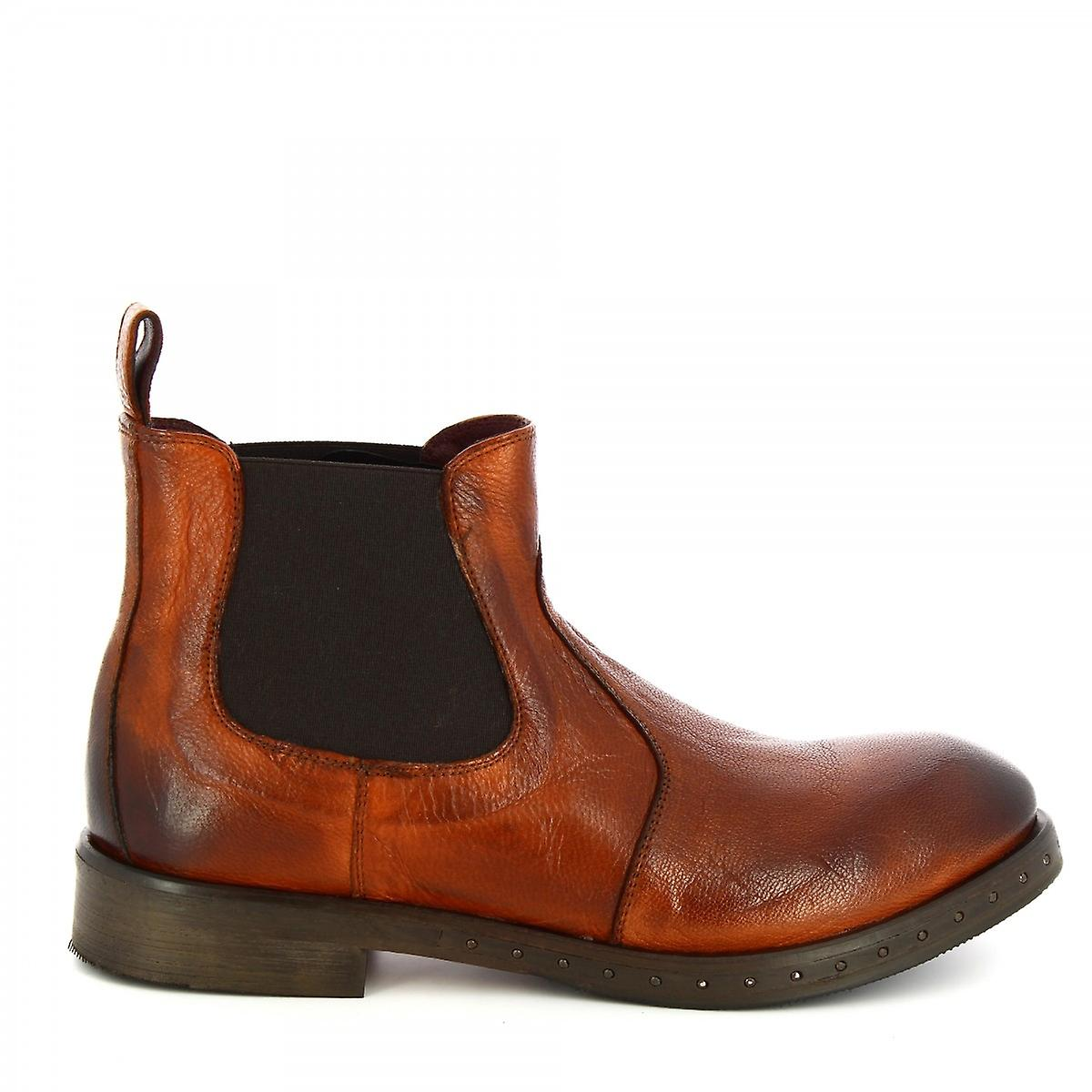 Leonardo Shoes Women's handmade fashion ankle boots in brown calf leather