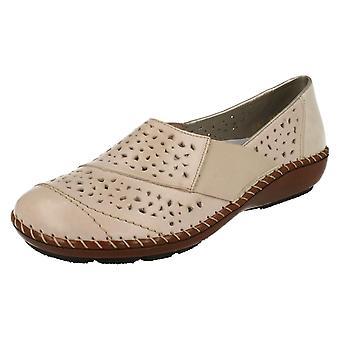 Обувь дамы Rieker скольжения на случайный день 44856