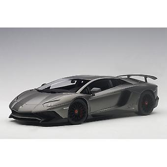 Lamborghini Aventador LP750-4 SV Composite Model Car