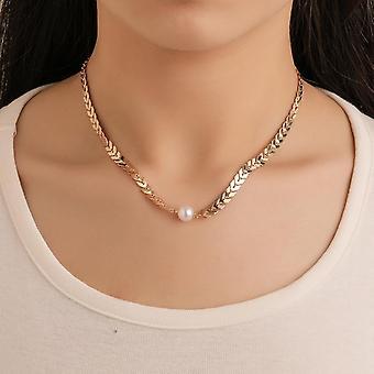 Elegante collar dorado bañado con clavícula de perla