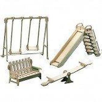 Dukker hus udendørs legeplads træmøbler kit 1:12 skala alder 6 +