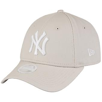 New era 9Forty ladies Cap - New York Yankees stone beige