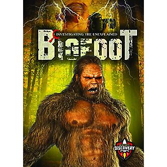 Bigfoot by Emily Rose Oachs - 9781626178526 Book