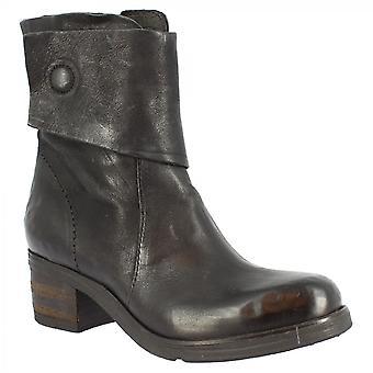 ليوناردو أحذية المرأة & apos;ق اليد جولة أصابع القدم مربعة أحذية الكاحل في جلد العجل الأسود مع إغلاق الرمز البريدي الجانب