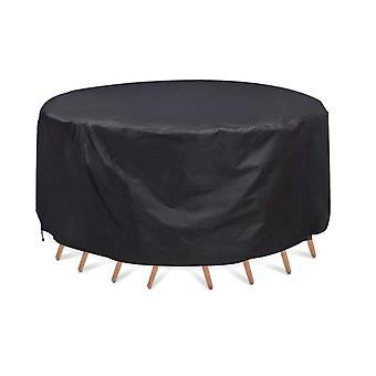 طاولة مستديرة في الهواء الطلق وغطاء غبار الكرسي