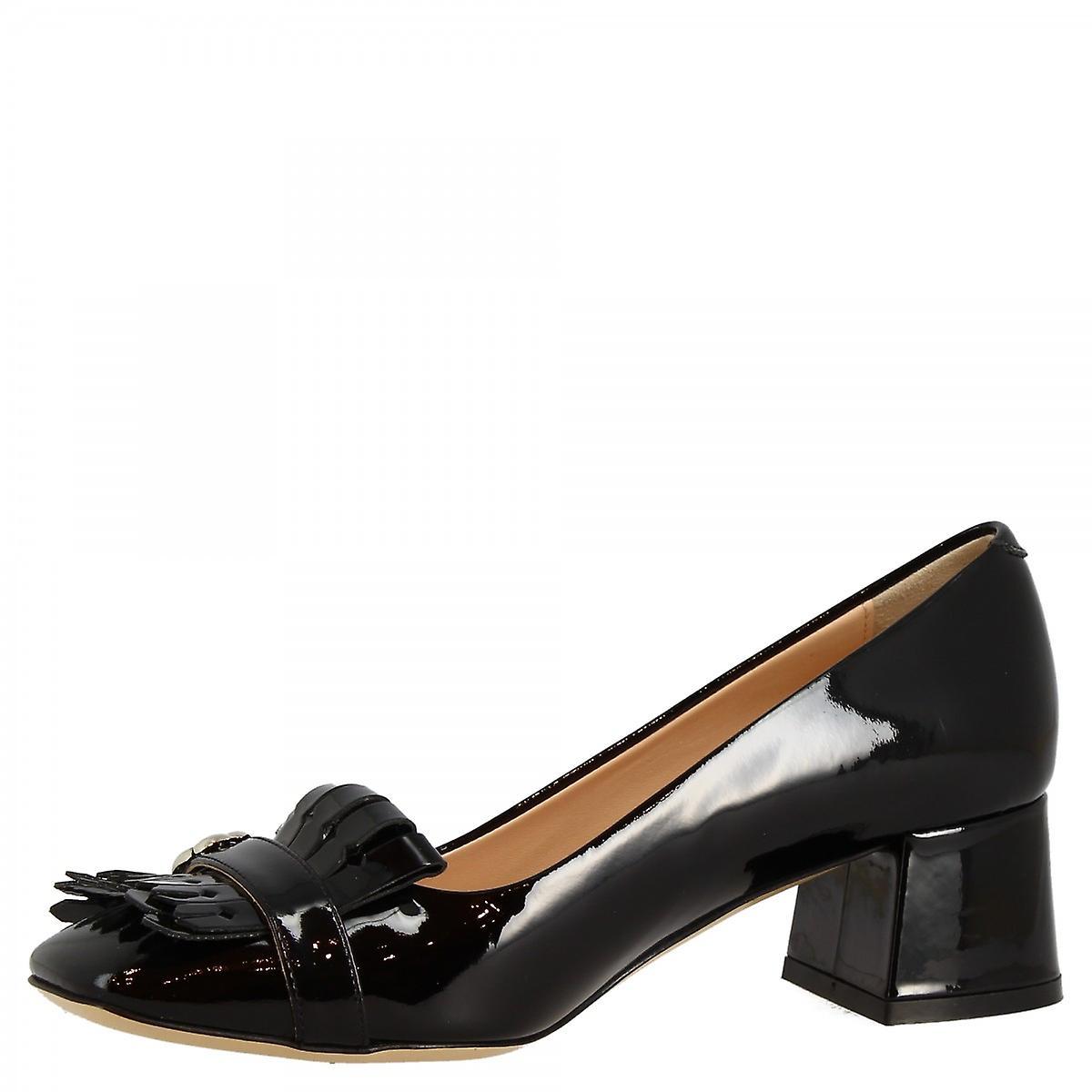 Chaussures À Talons Faits La Main Pour Femmes En Cuir Verni Noir Avec Des Bijoux