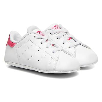 アディダス オリジナル スタン ・ スミス ベビーベッド赤ちゃん女の子の靴 - S82618