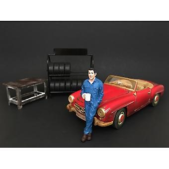 Mechanic Larry Taking Break Figure For 1:24 Scale Models By American Diorama