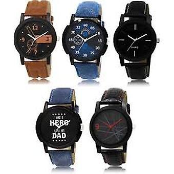 Mannen en vrouwen eenvoudige cartoon gedrukt horloge