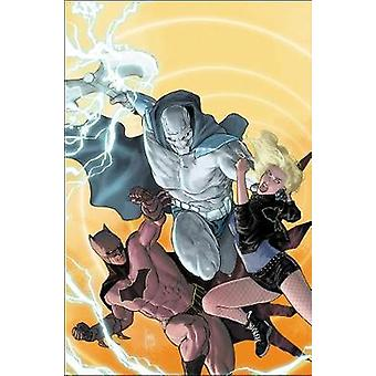 Justice League of America Volume 5 - Deadly Fable by Justice League of