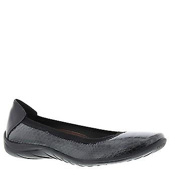 Walking Cradles Womens Alias Leather Closed Toe Slide Flats