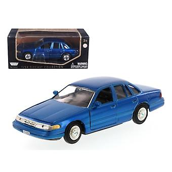 1998 Ford Crown Victoria Blue 1/24 Diecast Model Car By Motormax