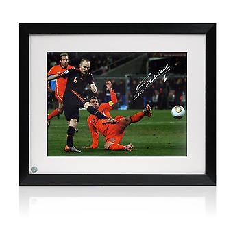 Andres Iniesta podpisał kontrakt z Hiszpanią Foto: Zdobywca Pucharu Świata. Oprawione