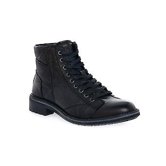 Igi & Co ringer svarta skor