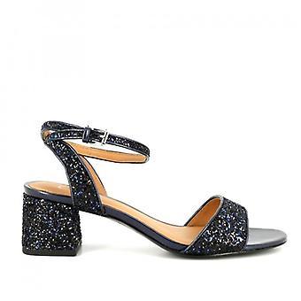 Gespiegeltes Leder Remix Sandale und blau Glitter