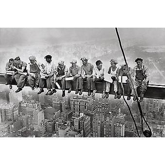 Eten boven Manhattan - lunch New York posters bovenop een wolkenkrabber