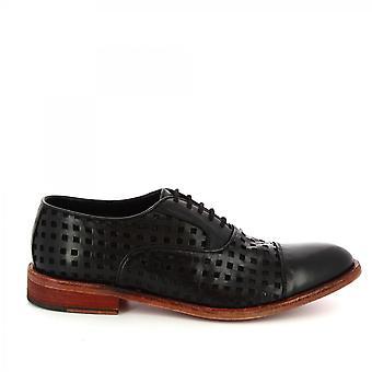 ليوناردو أحذية الرجال & ق الدانتيل المصنوعة يدويا المنبثقة الأحذية في جلد العجل المفتوح الأسود