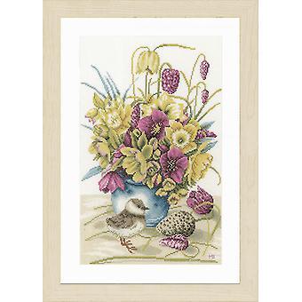 Lanarte Counted Cross Stitch Kit: Blommor & Lapwing (Jämn väv)