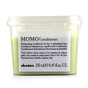 Momo Moisturizing Conditioner (For Dry or Dehydrated Hair) 250ml or 8.77oz