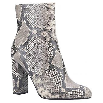 ستيف مادن محرر السيدات جلد الكاحل الأحذية الطبيعية / ثعبان