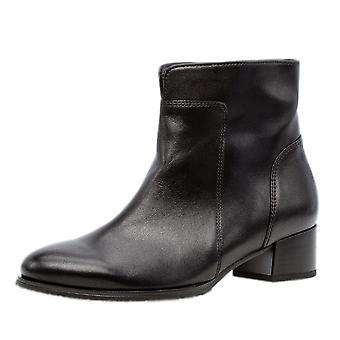 غابور دلفينو أزياء أحذية الكاحل باللون الأسود