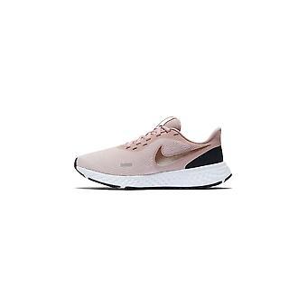 Nike Wmns Revolution 5 BQ3207600 universal kesänaisten kengät
