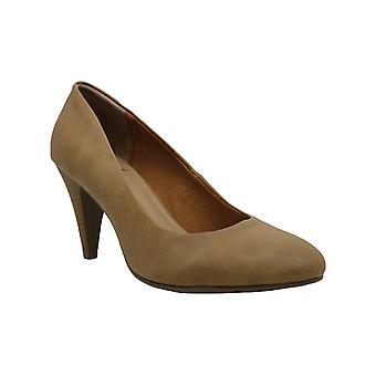 American Rag Womens Afelixp Closed Toe Classic Pumps