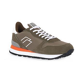Frau mimc techno shoes