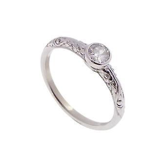 White gold diamond ring with decorated ring band
