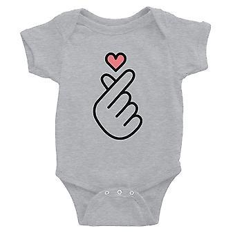 365 utskrift finger hjerte baby Body gave grå morsomt å si baby kjeledress