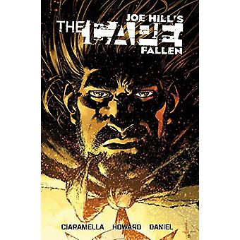 The Cape - Fallen by Joe Hill - 9781684050413 Book