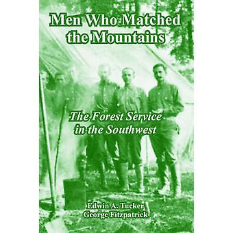 Mannen die gematched de bergen de Forest Service in het zuidwesten door Tucker & Edwin & A.
