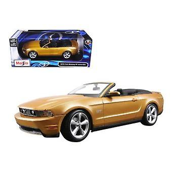2010 Ford Mustang Cabrio Gold 1/18 Diecast Modellauto von Maisto