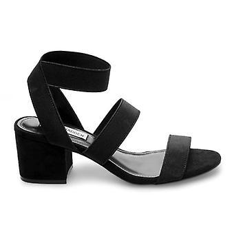 Sandaali Steve Madden eristää mustan