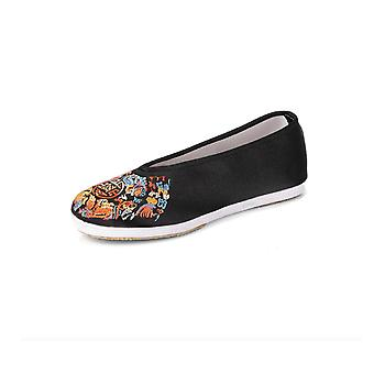 Old Beijing Cloth Embroidered Shoes
