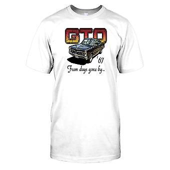 Ford GT 67-a partir de dias idos por-Classic Sports Car Mens T-shirt