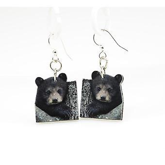 Brincos de filhote de urso
