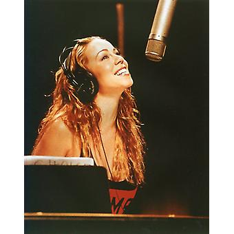 Mariah Carey Photo - Singing in the Studio (8 x 10)