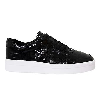 Clarks Hero Walk Black Leather Low Lace Up Womens Trainers 261495384