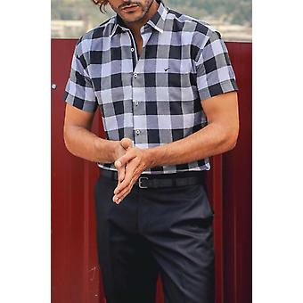 Slimfit plaid-patterned shirt