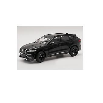 Jaguar F-Pace (2016) i svart (1:24 skala av Welly 24070K)