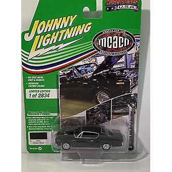 1970 AMC Rebel Machine Classic Black Johnny Lightning 1:64 JLMC024A