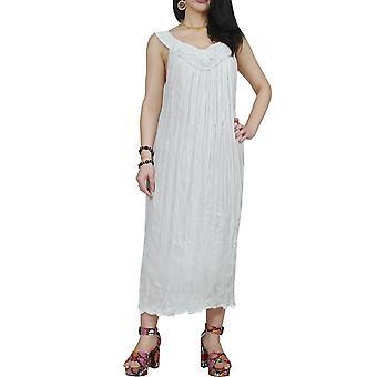 أكوا بيرلا النساء Uzun الأبيض شاطئ اللباس مع الخرز